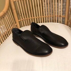 Vince Black Leather loafer